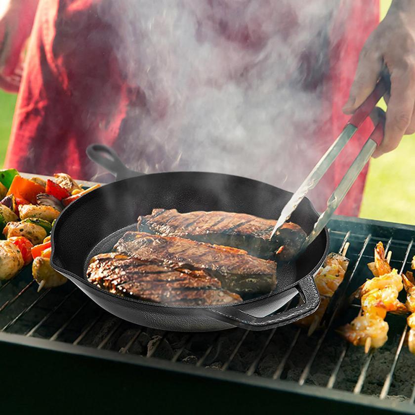 Living iron fry pan